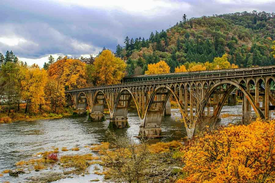 bridge in Oregon fall colors