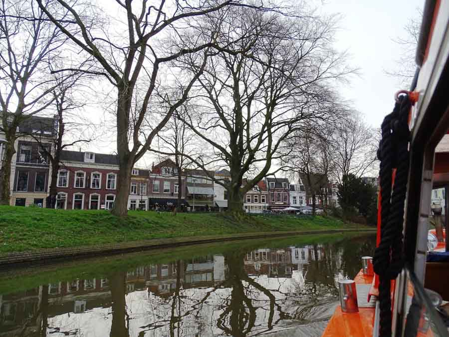 Canal boat cruise in Utrecht