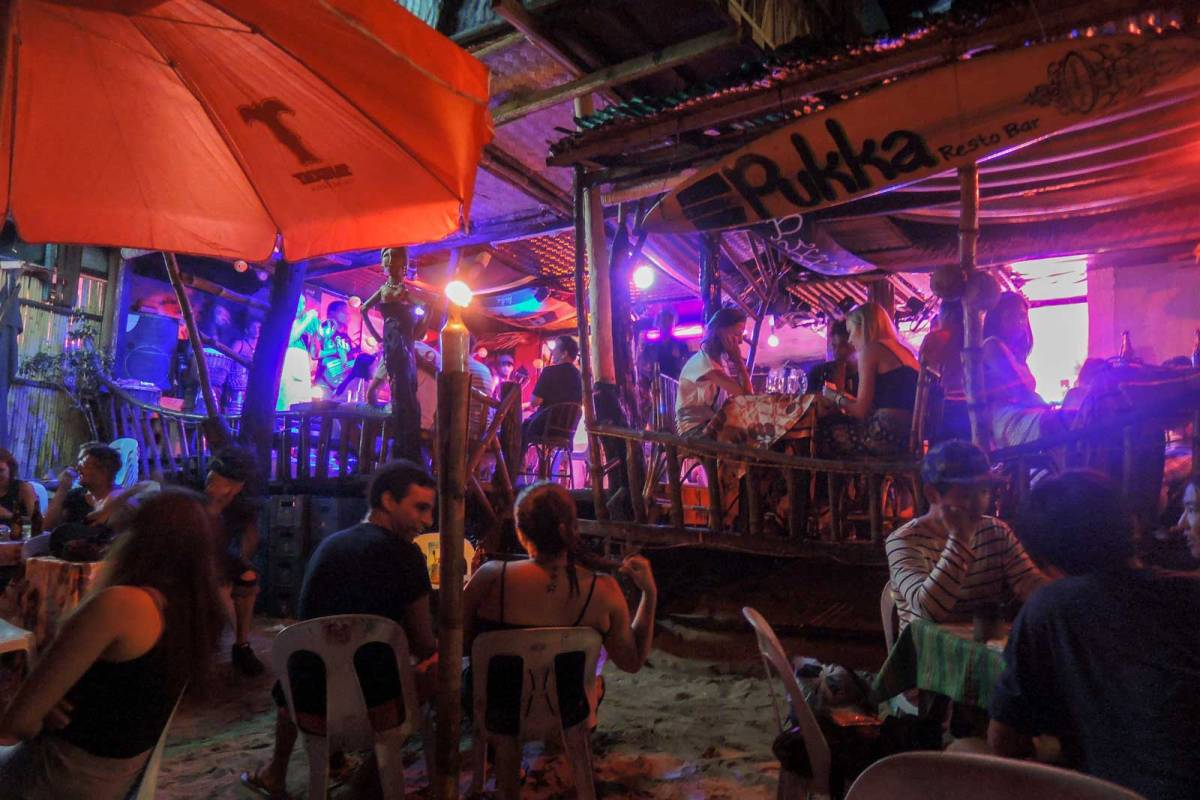Beer and reggae at Pukka Bar, El Nido