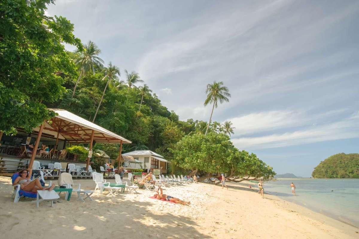 The Beach Shack at Marimegmeg Beach, El Nido