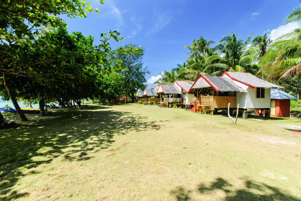Cagbalete A row of cottages at Villa Cleofas