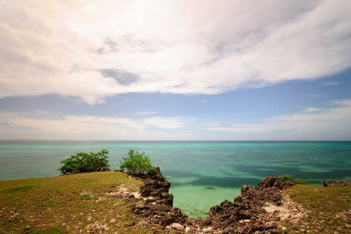 Millionaire's Row, the cliff-side steps to the beach, Bantayan Island