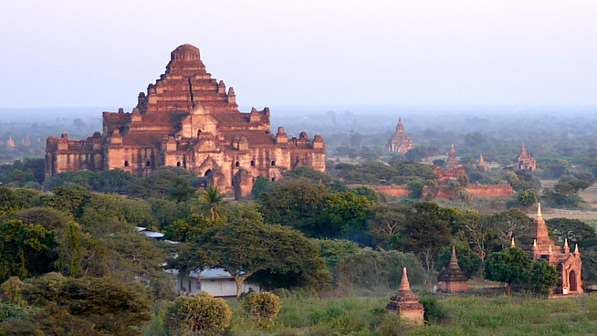 Sunset temples in Bagan, Burma (Myanmar)