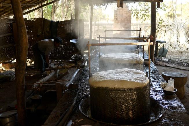 Thickening sugarcane juice