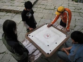picture of a Nepali cannonball board