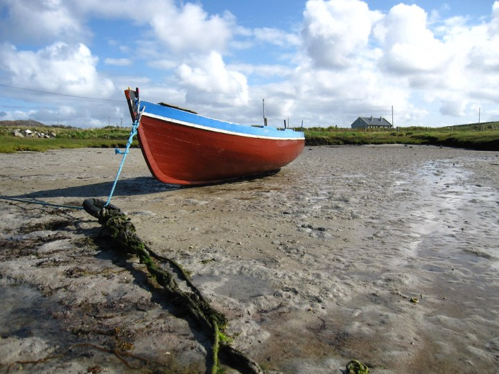 Boat before high tide