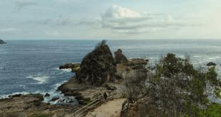 Objek Wisata Pantai Wediombo Yang Eksotis