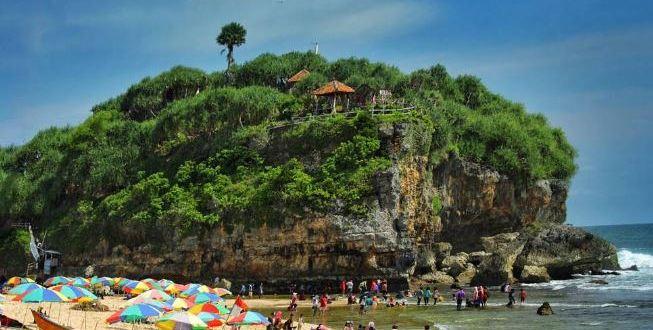 9 Pantai Gunung kidul Yang Wajib Disambangi