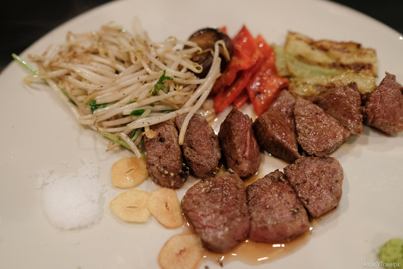 Bò Kobe ăn tại Kobe