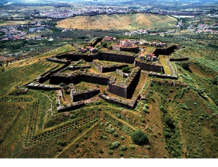 cidade-quartel-fronteiric3a7a-de-elvas-e-suas-fortificac3a7c3b5es.jpg