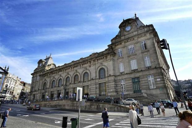 portugal-estcao-s-bento-pedro-granadeiro-global-imagens