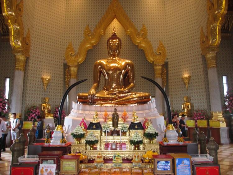 bangkok_chinatown_wat-traimit