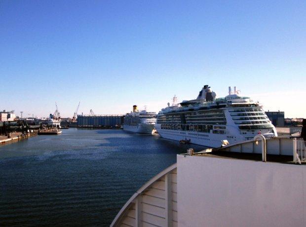 ferry Helsinquia.jpg