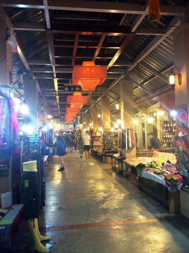 night-bazar-chiang-mai