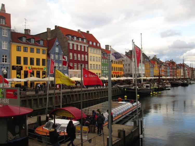 Nyhavn o que visitar grátis em Copenhaga