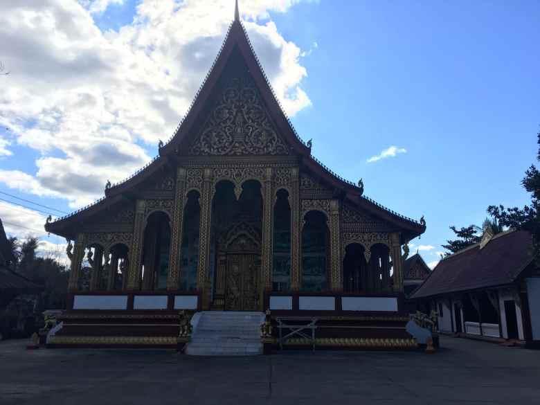 Wat Manorom - Luang Prabang.jpg