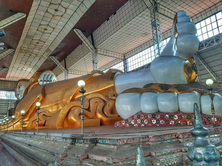 Bago cidade de lendas Buda de Shwethalyaung