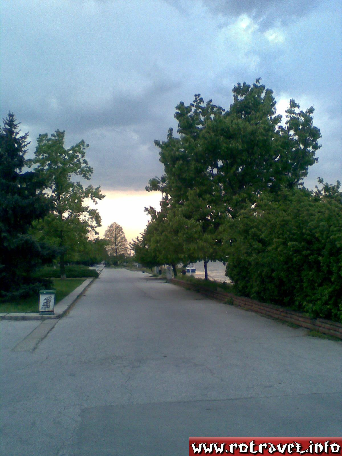 An alley near to Danube