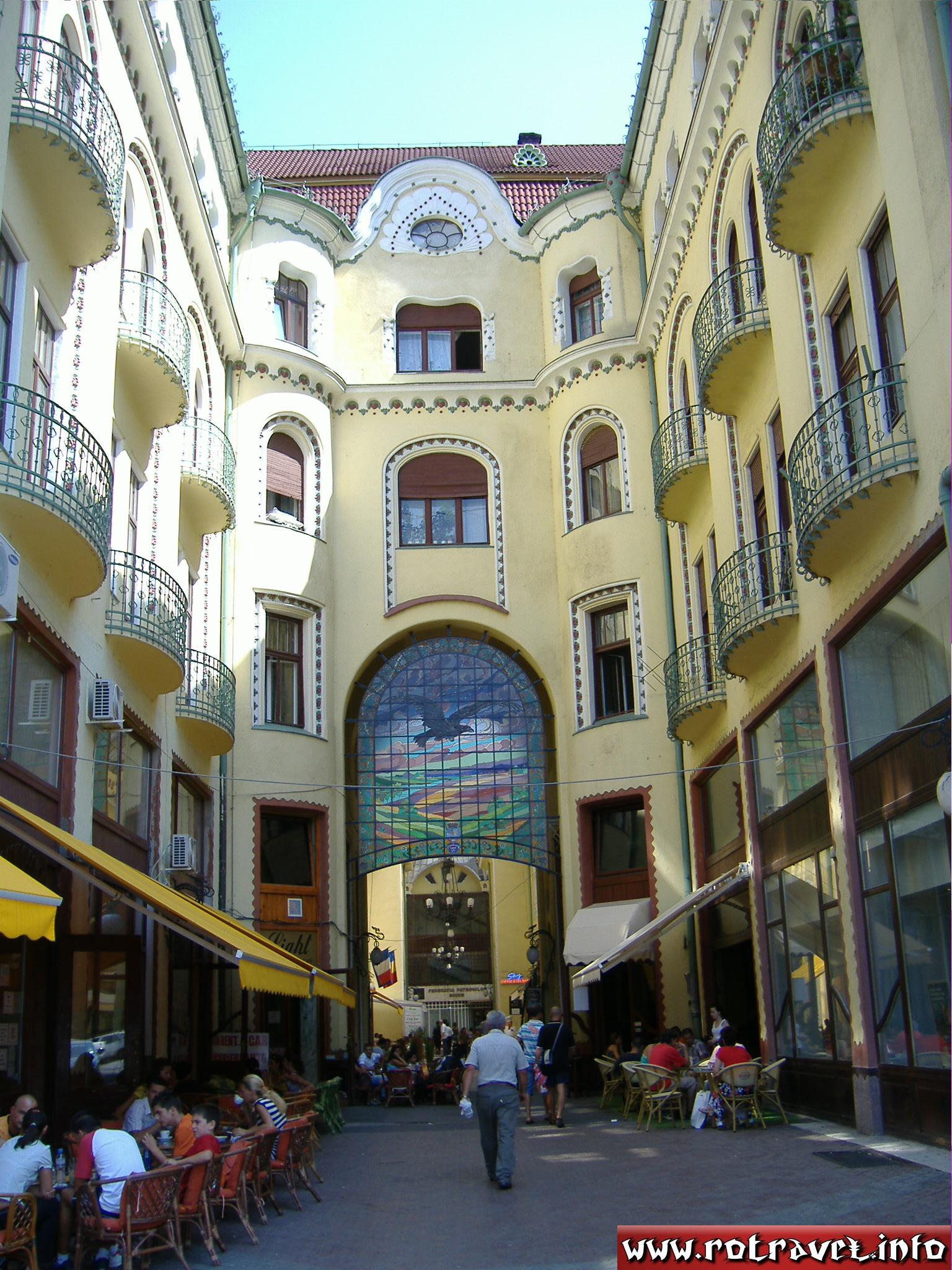 Pasajul Vulturul Negru (Black Eagle Passage) was build between 1907-1908 together with the Palace with the same name
