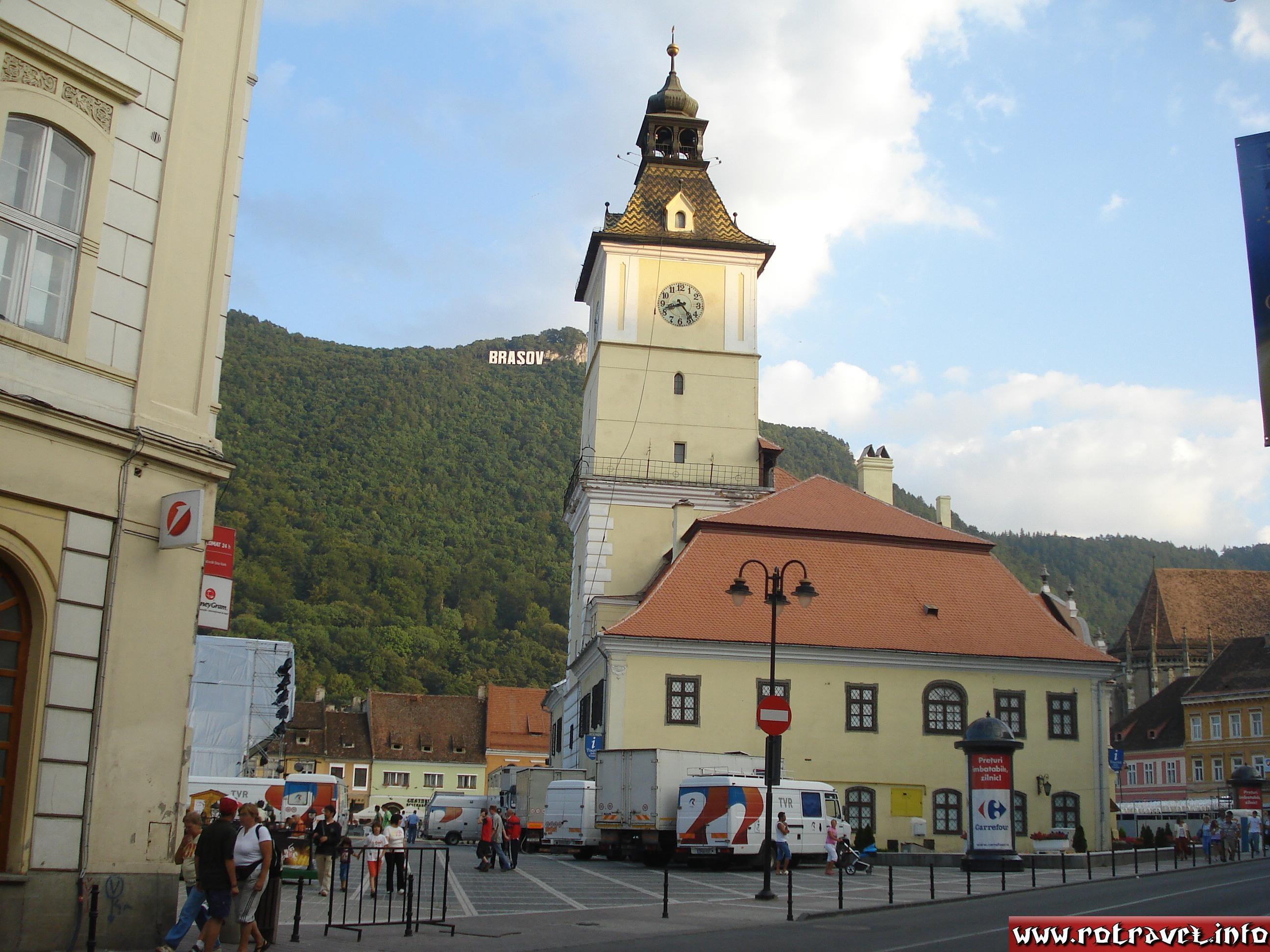 Council Square (Piaţa Sfatului) where Golden Stag (Cerbul de Aur) festival will take place
