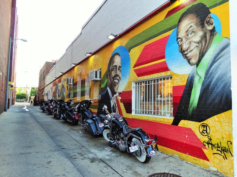 Street Art an der Wand von Ben`s Chili Bowl in DC