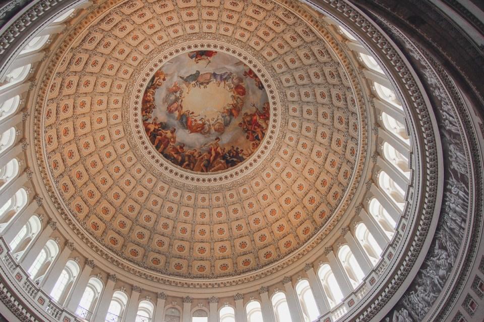 Die beeindruckende Kuppel im Inneren des Capitols