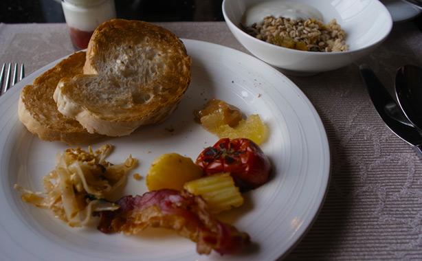 hotel_muse_bangkok_breakfast.1