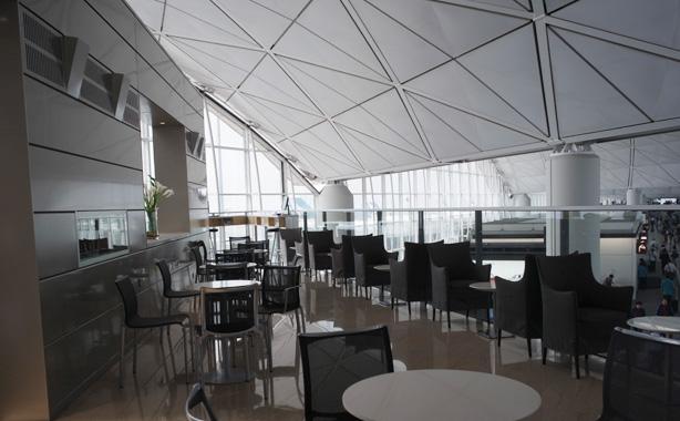 ユナイテッド 香港空港 ラウンジ