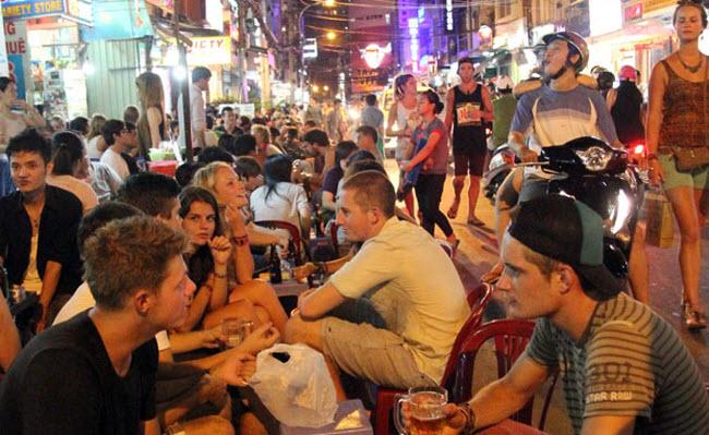 Bui vien Pedestrian Street HCMC
