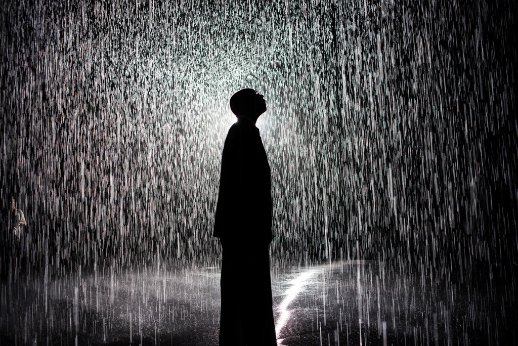 https://i2.wp.com/travelsandliving.com/wp-content/uploads/2015/12/rain-room-walking-through-rain-without-getting-wet-Navid-Baraty-6-1024x684.jpg
