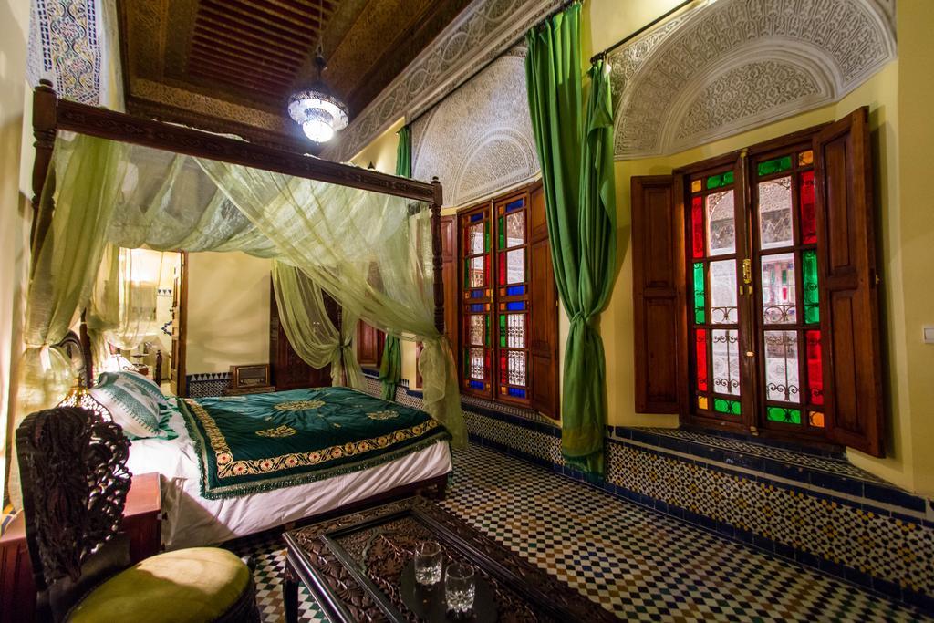 Travels by Travelers Fes : Στη καρδιά του  λαβύρινθου Αφρική MAYA'S PICKS  Φες Μαρόκο