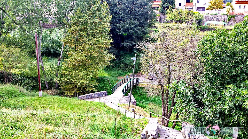 Puente pueblo medieval Santa Pau