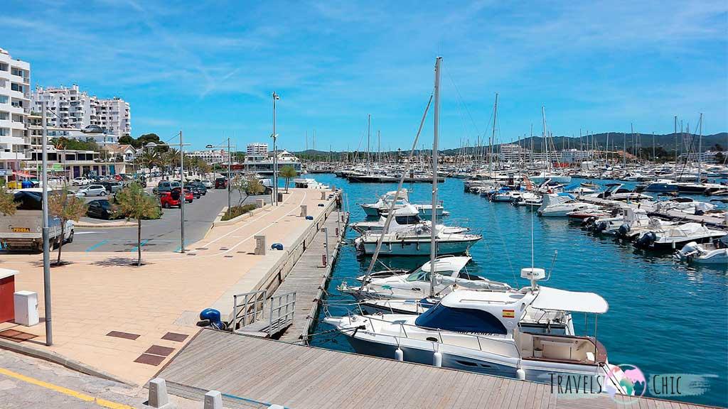 Foto del puerto de San Antonio de Ibiza, uno de los lugares que visitar en Ibiza