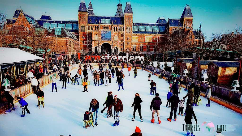 Mercadillos navideños y pista de hielo Amsterdam