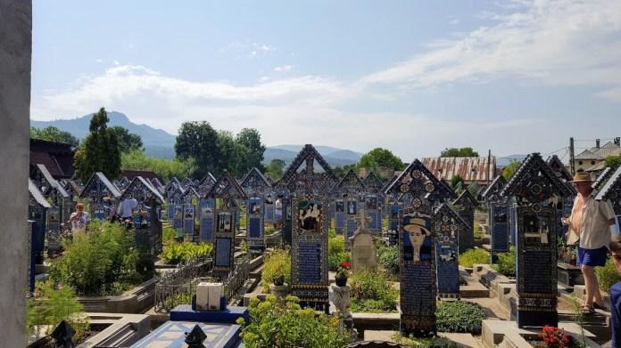 na wesołym cmentarzu