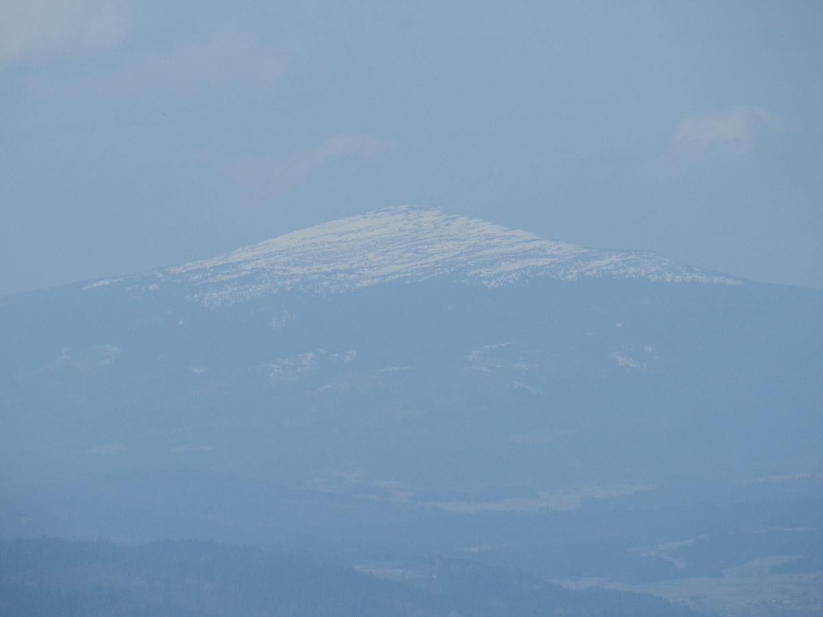 babia gora w sniegu