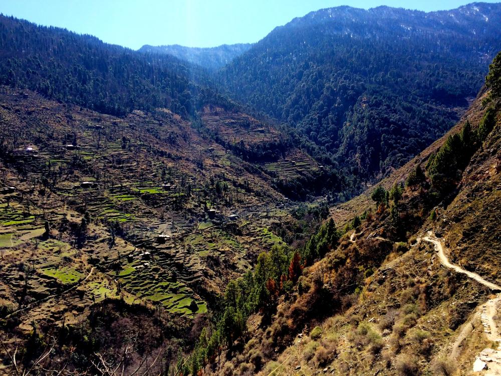 Trek route to the villages of Dodra Kwar.