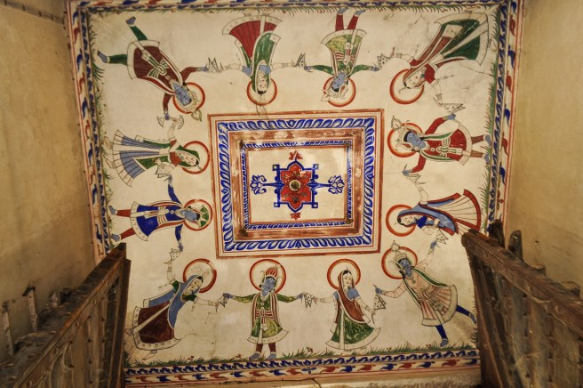 Care to look up?! A typical ceiling in the Haveli mansions