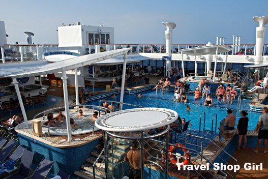 Adults only pool on Norwegian Getaway