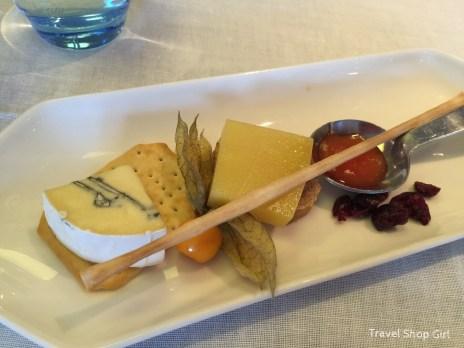 Cheese plate: Bavarian Blue, Comté