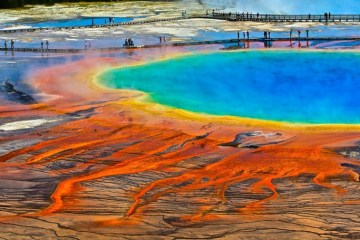 Grand-Prismatic-Spring-Wyoming-USA-