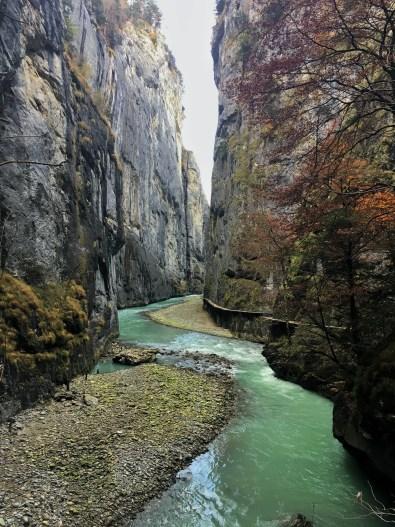 photo des gorges de l'aar, aarschlucht dans l'oberland bernois. Un lieu unique à découvrir en suisse.