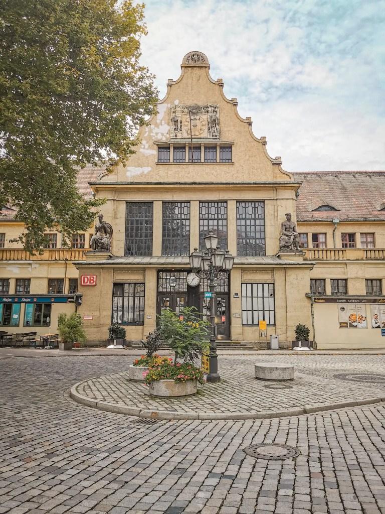 La gare de Lindau est un des plus beaux bâtiments de île de Lindau