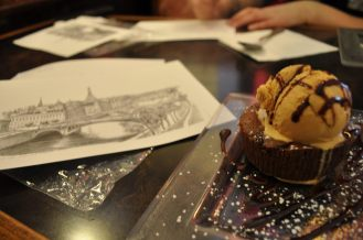 The mandatory chocolate fondant and post cards.