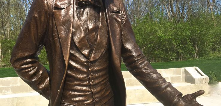 National Cemetery: Bronze statue of Lincoln