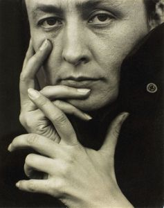 Stieglitz: Photo of Georgia O'keeffe, 1918