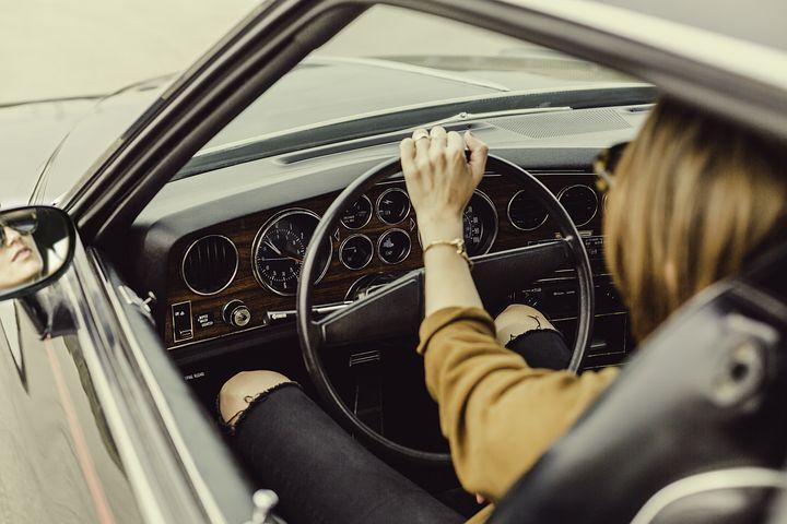 Solo woman driver