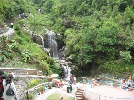 File:Darjeeling Rock Garden3.jpg