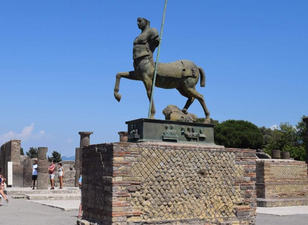 Ruins of Pompeii. 2 Weeks In Italy www.travelsofjenna.com/2-weeks-in-italy
