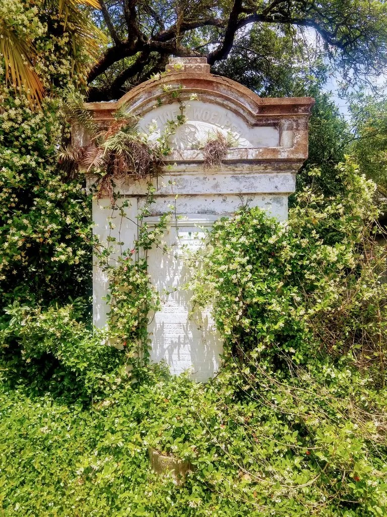 A picture of a tomb in the Lafayette Cemetery in New Orleans Garden District.